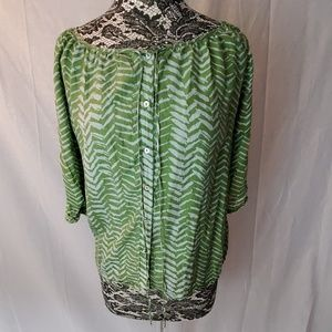 Super Cute 100% Silk Green and Gray Top Size L